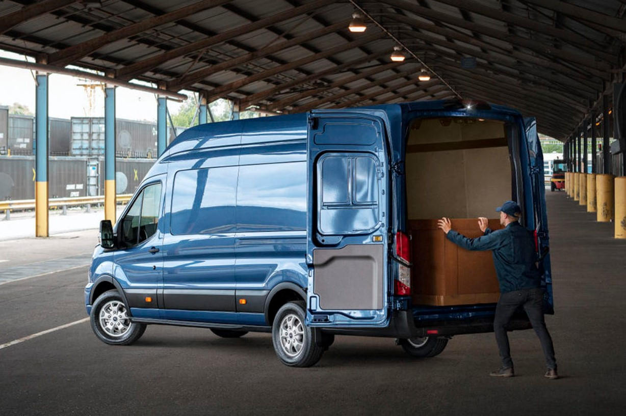 2022 Ford Transit Cargo Space