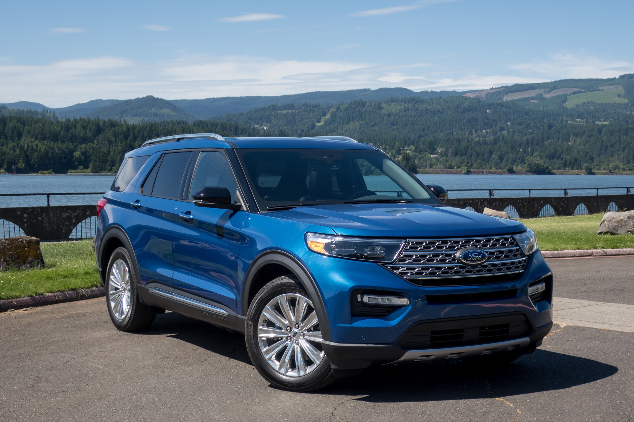 explorer ford 2021 atlas hybrid 2022 territory cars limited release date drivetrain cargo exterior charting drive feature safety space interior