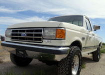 RARE 1989 Ford F250 XLT Lariat Edition 4x4 5 Speed 460